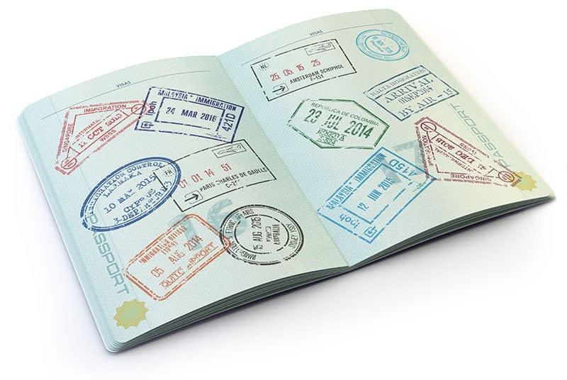 Passporte e benefícios em contratar um consultor de imigração